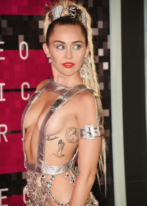 Miley Cyrus: 2015 MTV Video Music Awards in Los Angeles [adds]-18